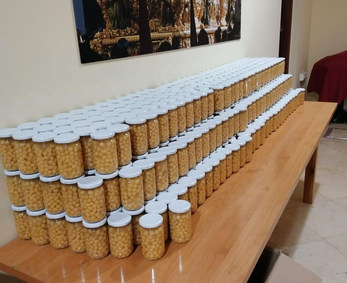 Caridad distribuye 2000 kilos de alimentos procedentes de una donación