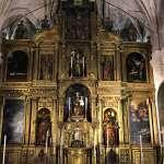 El altar mayor de San Martín recupera los cuadros restaurados de  Jerónimo Lucenti de Corregio